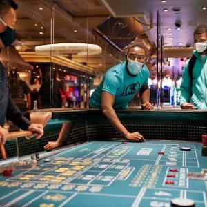 物理的なカジノの影響